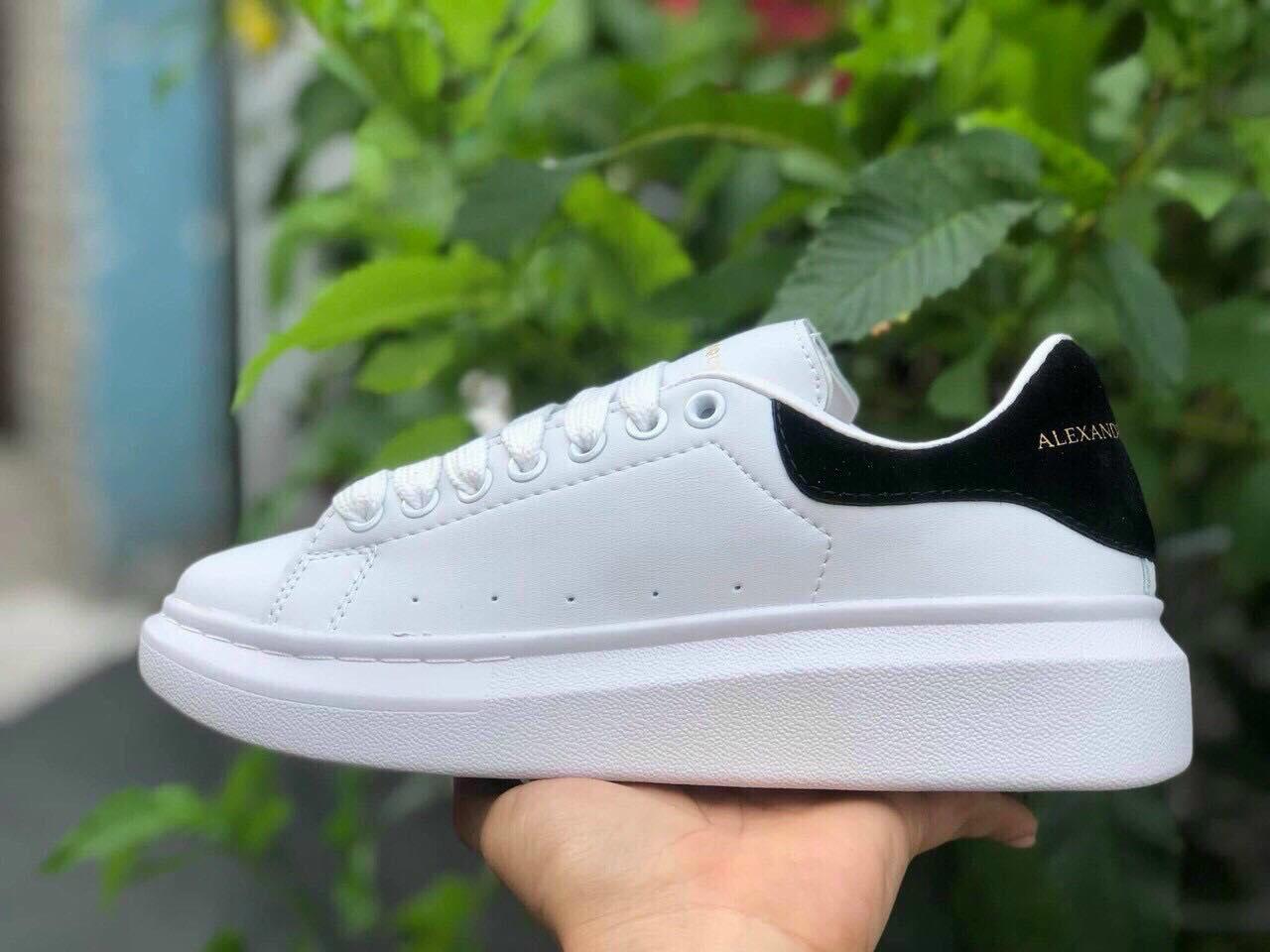 giày alexander mcqueen trắng đen