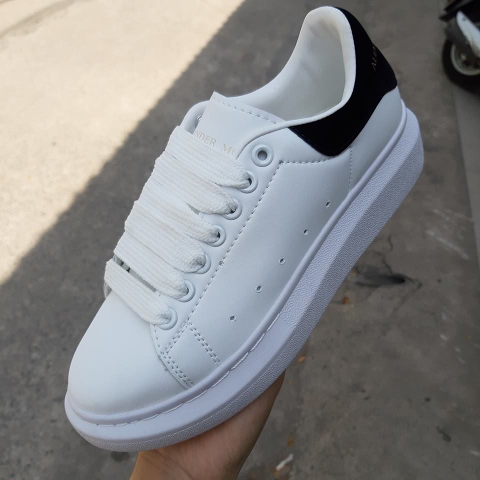 giày thể thao mcqueen gót đen