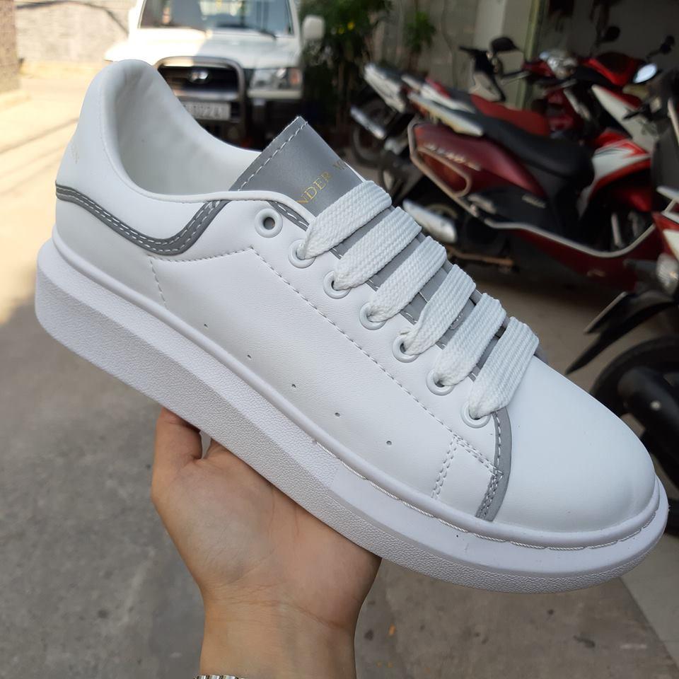giày thể thao mcqueen trắng sọc xám phản quang