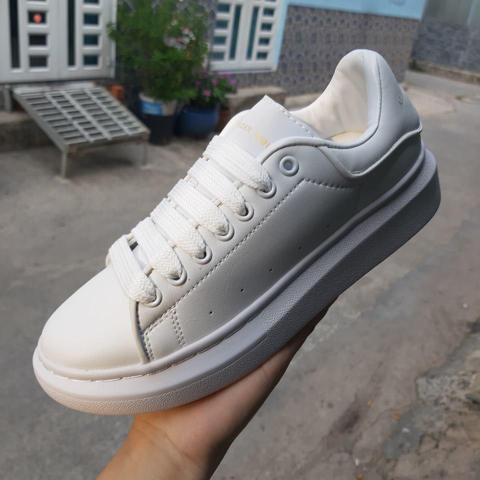 giày thể thao mcqueen full trắng phản quang