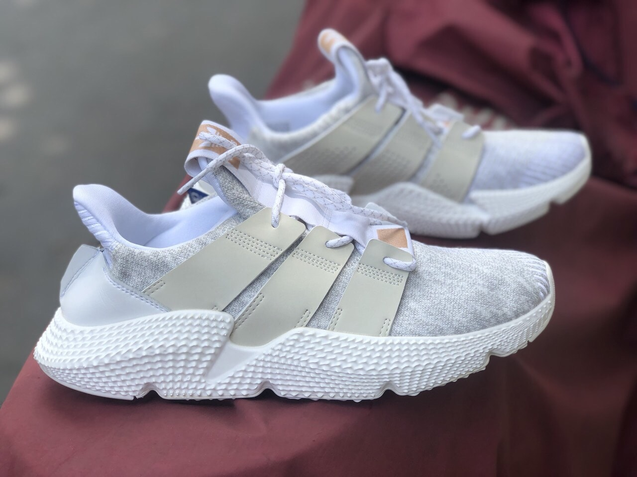 giày thể thao adidas prophere trắng hồng