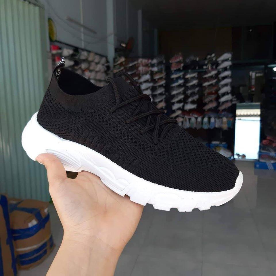 giày cổ chun thun nữ đen đế trắng